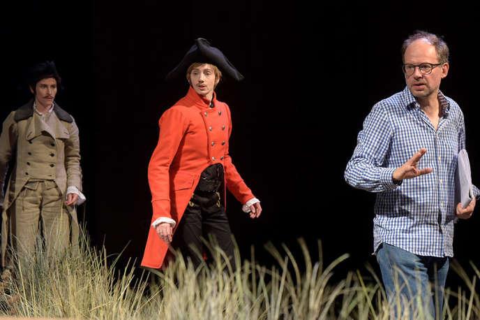 De gauche à droite : Thibault Vinçon,Leslie Menu et DenisPodalydès lors d'une répétition du« Triomphe de l'amour» aux Bouffes du Nord.