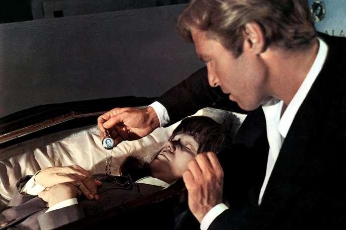 Rada Rassimov (Bianca Merusi) et James Franciscus (Carlo Giordani) dans «Le Chat à neuf queues» (1971), de Dario Argento.