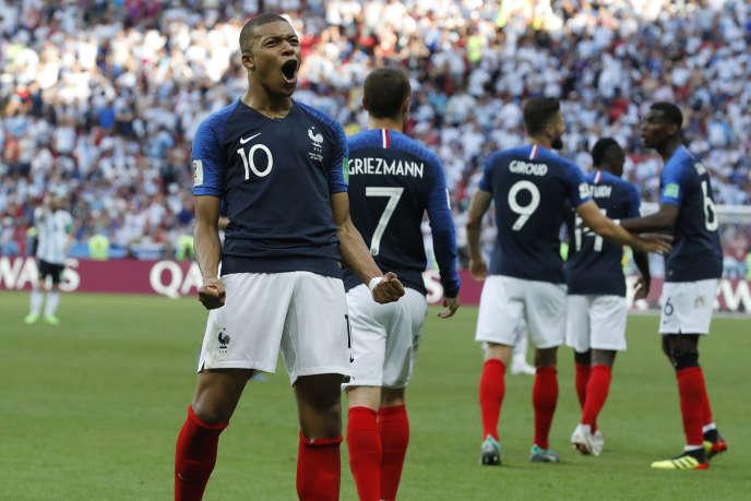 Kylian Mbappé célèbre son troisième but en Coupe du monde, samedi 30 juin, contre l'Argentine.