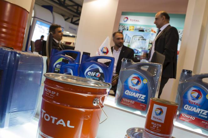 Le stand de la compagnie Total au salon international du pétrole, du gaz et de la pétrochimie de Téhéran (IOGPE), en mai 2014.