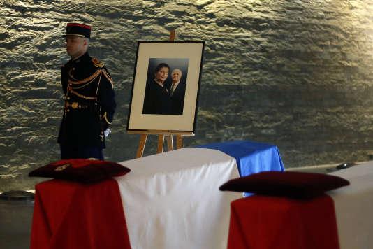 Les cercueils de Simone et Antoine Veil, dans la crypte du Mémorial de la Shoah à Paris, le 29 juin.