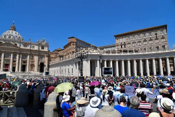 La place Saint-Pierre, au Vatican, le 1er juilet.