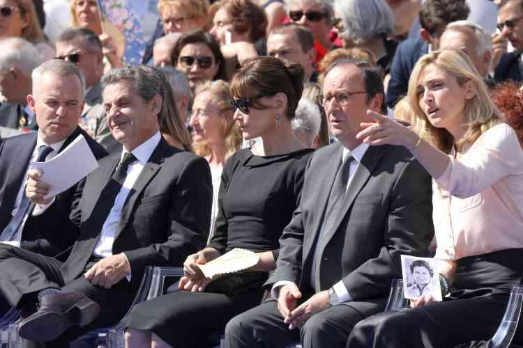 Le président de l'Assemblée nationaleFrancois de Rugy côtoyait l'ancien présidentNicolas Sarkozy et sa femme Carla Bruni. L'ancien président socialiste Francois Hollande et sa partenaire Julie Gayet étaient également présents à la cérémonie.