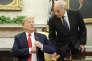 L'ancien général John Kelly, chef de cabinet de la Maison Blanche, aux côtés de Donald Trump, le 27 juin.