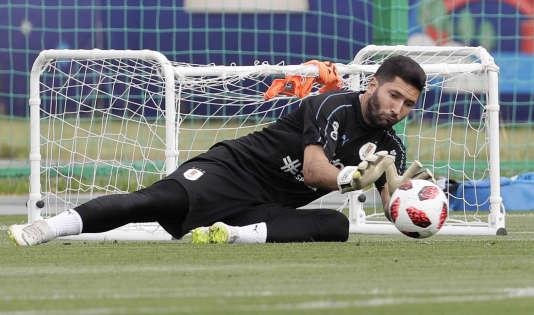 La vigilance s'impose : quand les adversaires ont le dos tourné, les Uruguayens remplacent parfois leurs cages par des mini-buts.