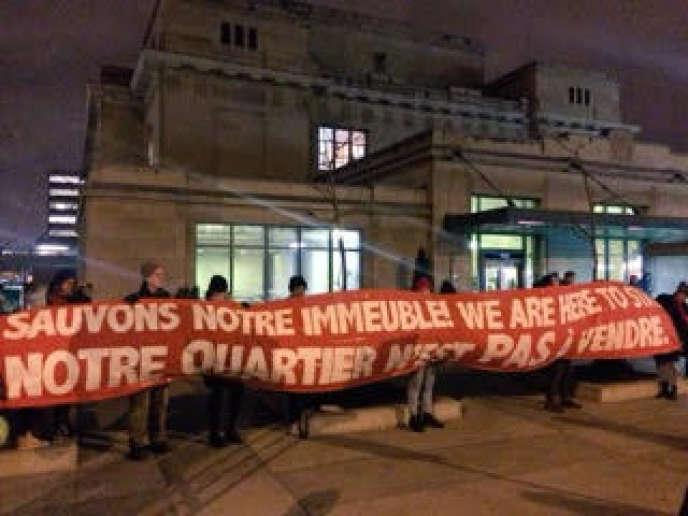 Une manifestation contre la spéculation immobilière dans le quartierParc-Extension, à Montréal.