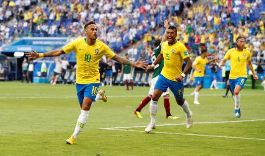 Neymar et le Brésil sont toujours en course en Coupe du monde.