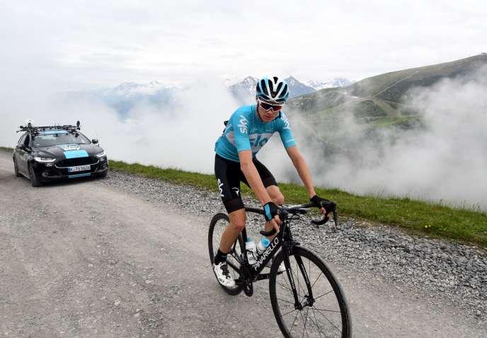 Christopher Froome en reconnaissance sur le parcours du Tour de France, le 15 juin.