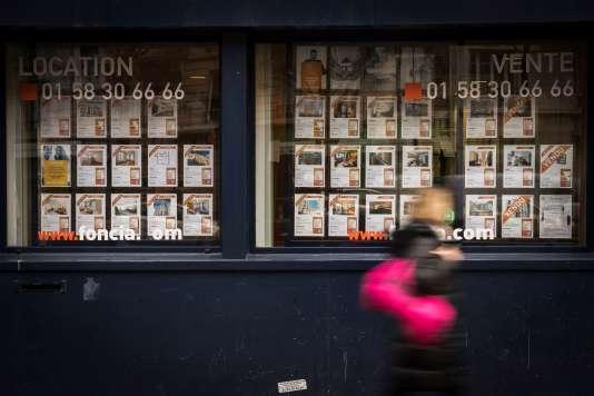Agence immobilière, à Paris, 19 décembre 2017.