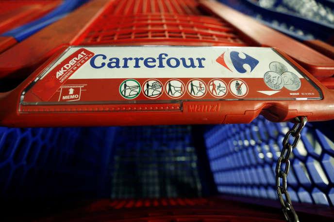 Au magasin Carrefour de Montreuil (Seine-Saint-Denis).