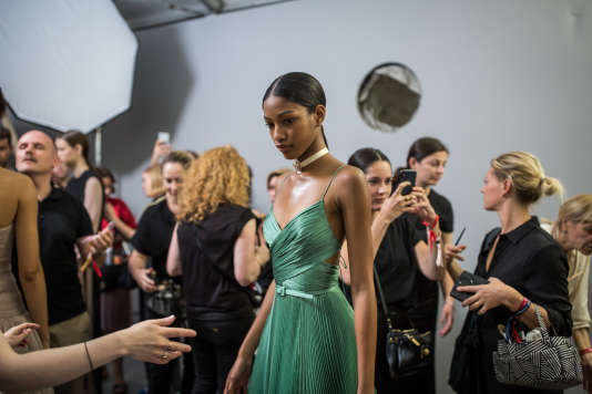 Coulisses du défilé Dior, le 2 juillet, au Musée Rodin, à Paris.