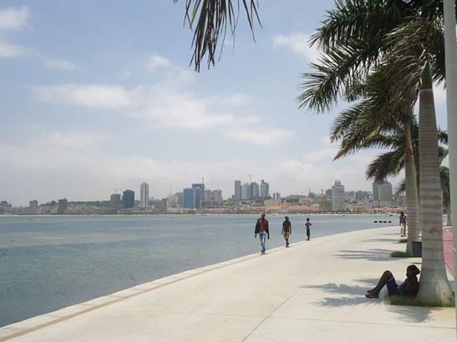 Le bord de mer, à Luanda, capitale de l'Angola, en 2013.