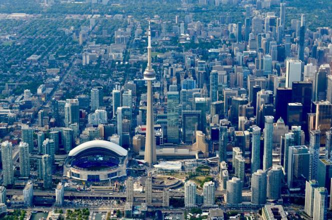 Toronto (Canada).