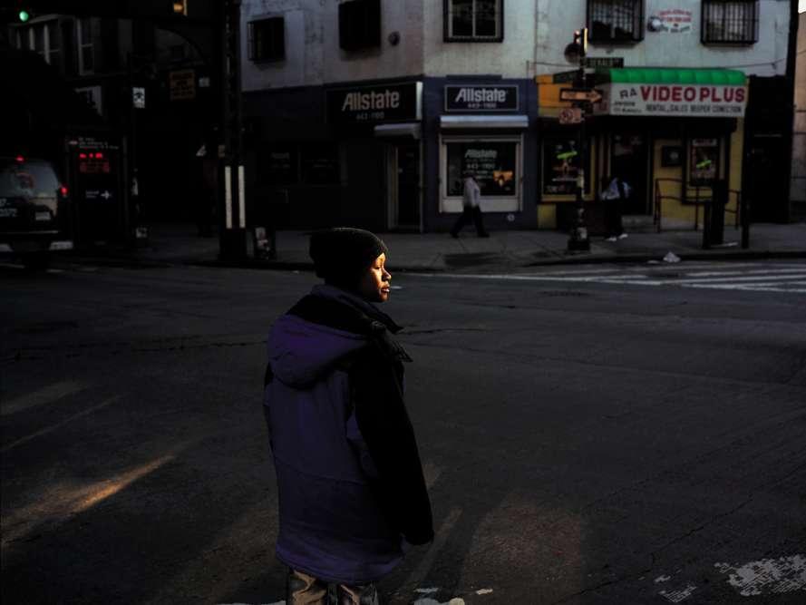 « Très peu de photographes savent exprimer avec autant de subtilité les écarts de la société américaine », estime Sam Stourdzé au sujet de Paul Graham. A Arles, l'artiste britannique est invité à exposer une partie de ses images prises aux Etats-Unis, et notamment la série « American Night » (1998-2002) dont est extraite cette image. «Dans ce portrait se retrouve toute la patte de Graham, son approche à la fois documentaire, rigoureuse et conceptuelle. » Paul Graham, « La blancheur de la baleine », église des Frères-Prêcheurs. Jusqu'au 23 septembre. www.rencontres-arles.com