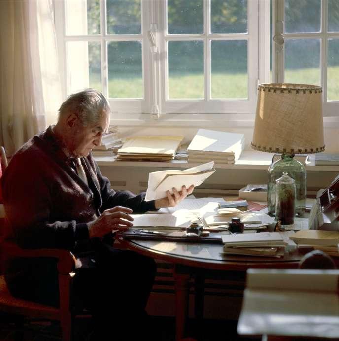 L'écrivain Jean Paulhan, en 1965.