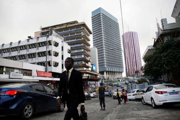 Dans une rue d'Abidjan, capitale économique de la Côte d'Ivoire, en juillet 2018.