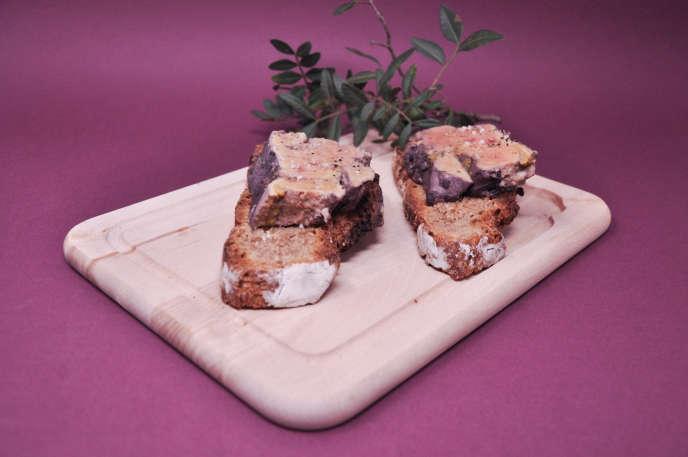 Foie gras poché au vin épicé, la touche Noël.