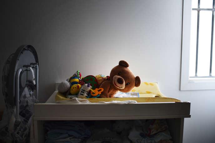 Selon l'ONED, ils étaient 38300 en2015 à accueillir des enfants au titre de la protection de l'enfance, contre environ 50000 en 2012.