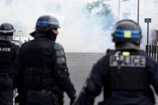 Les forces de l'ordre venues sécuriser le quartier du Breil, à Nantes, le 4 juillet.
