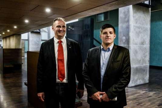 Les militants d'extrême droite Alexandre Gabriac (à droite) et Yvan Benedetti (à gauche) au tribunal de Lyon le 4 juin 2018.