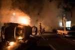 Une voiture en flamme, dans la nuit du 3 au 4 juillet 2018, à Nantes.