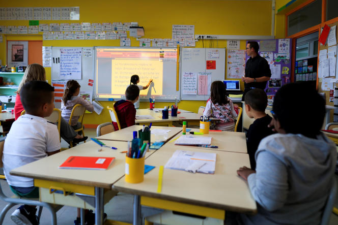 Dans la classe d'une école primaire des Ormeaux, près de Paris.