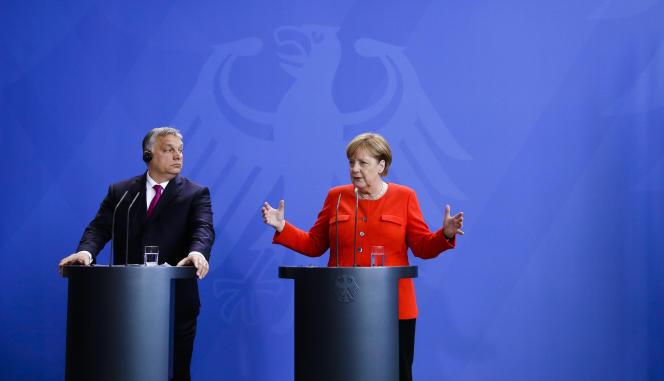 Viktor Orban, le premier ministre hongrois, et Angela Merkel, la chancelière allemande, à Berlin, le 5 juillet 2018.