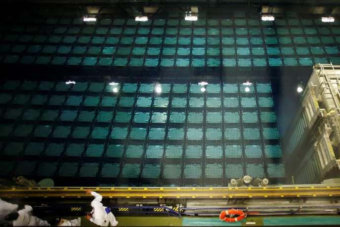 Des piscines d'entreposage pour refroidir le combustible usé, à l'usine deretraitement des déchets nucléairesde Beaumont-Hague, le 5 juin.