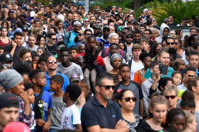 Un millier de personnes se sont réunies pour une marche en mémoire d'Aboubakar, tué par un policier lors d'un contrôle d'identité, mardi 3 juillet à Nantes.