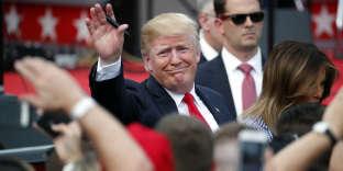 «On peut donc anticiper une poursuite de la nervosité des marchés dans les prochaines semaines, avant qu'une nouvelle poignée de main, certainement virile, scelle enfin un accord» (Donald Trump et Melania Trump, le 4 juillet).