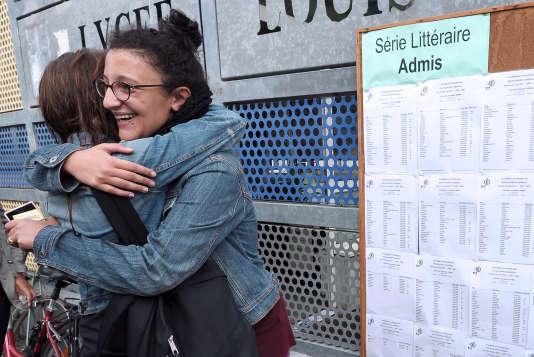 Les résultats du bac, ici à Strasbourg en 2013.AFP PHOTO/FREDERICK FLORIN / AFP PHOTO / FREDERICK FLORIN