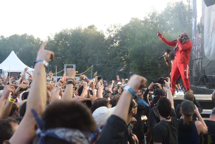 Les chanteurs de Prophets of Rage, B-Real (à droite) et Chuck D, aux Eurockéennes de Belfort, le 6 juillet.