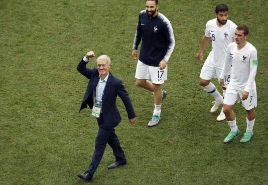 Didier Deschamps avec ses joueurs, le 6 juillet 2018