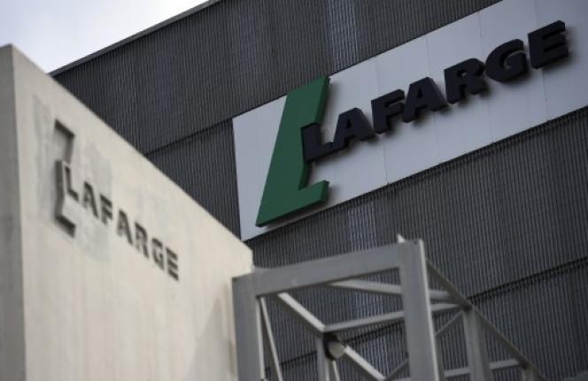 Le cimentier Lafarge, accusé d'avoir financé des organisations terroristes en Syrie, a été mis en examen le 28 juin pour « complicité de crime contre l'humanité ».