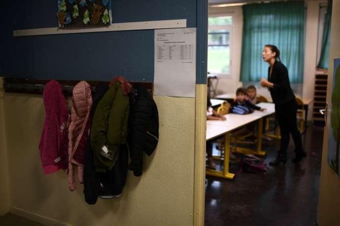 Dans une école primaire de Corbeil-Essonnes, au sud-est de Paris, à la rentrée 2017.