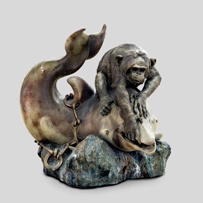 «Le Conseil s'amuse», dit aussi «Singe et dauphin» (1903), deJean-Désiré Ringel d'Illzach associé au céramiste Léon Elchinger, grès émaillé.