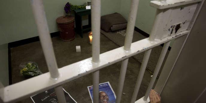 La cellule de l'ancien président sud-africain Nelson Mandela dans la prison de Robben Island, en décembre 2013.