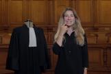 Virginie Delalande est la première sourde profonde de naissance à avoir passé le diplôme d'avocate en France.
