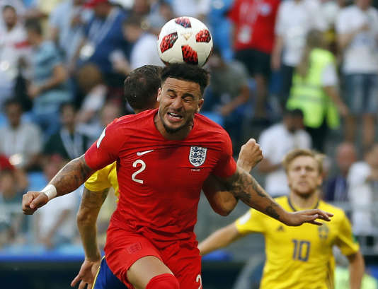 L'Angleterre est toujours aussi belle à voir jouer. Ici, Kyle Walker jouant au bilboquet humain.