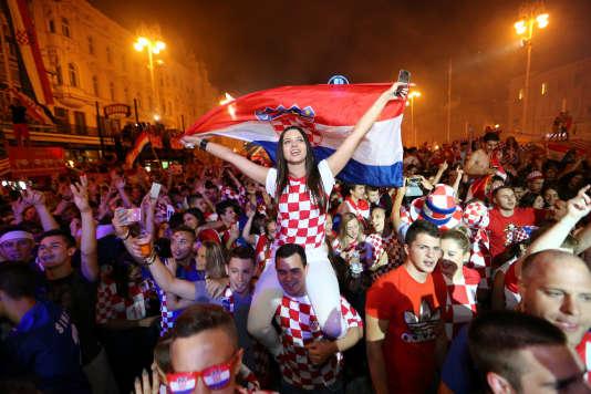 Supporters croates vénérant Omar Da Fonseca.