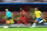 L'attaquant belge Romelu Lukaku passe devant le défenseur brésilien Miranda, vendredi 6 juillet à Kazan, lors du quart de finale Brésil-Belgique (1-2).