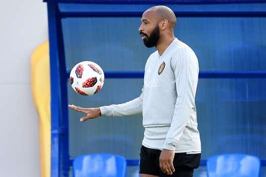 Thierry Henry apprend aux attaquants belges à faire léviter le ballon.