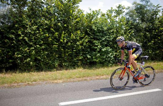 Echappé avec deux autres coureurs dès les premières minutes de la course, Sylvain Chavanel a ensuite roulé seul en tête dimanche 8 juillet, avant d'être rattrapé à quelques kilomètres de l'arrivée au sprint.