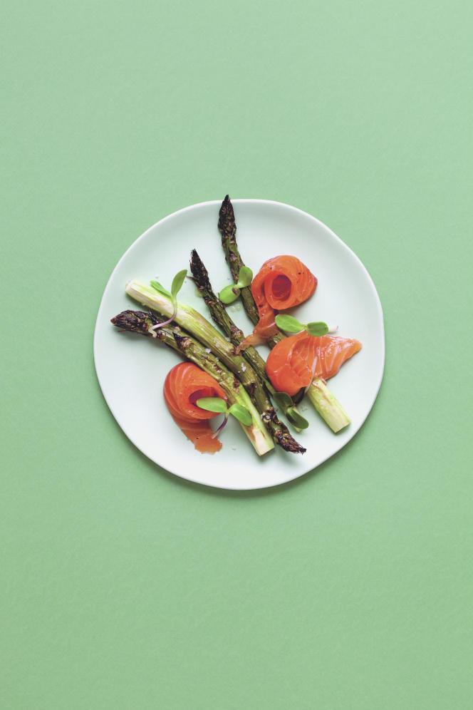 Asperges grillées et saumon gravelax de Linda Granebring.