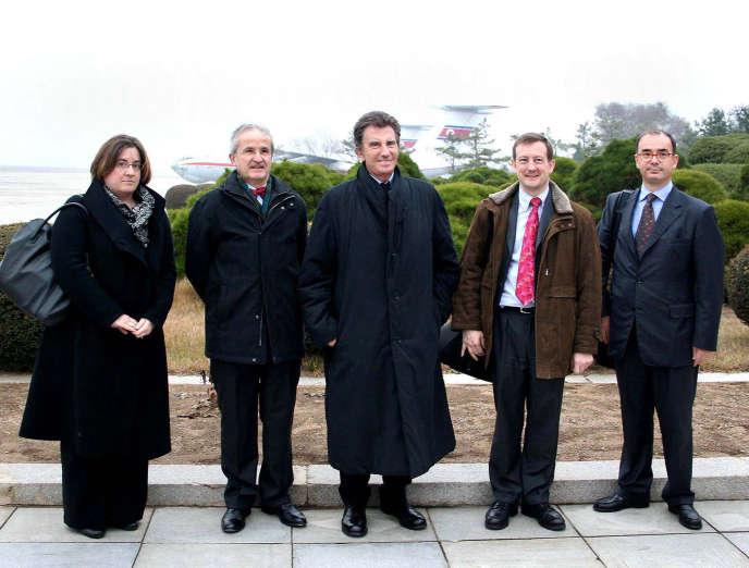 La délégation conduite par Jack Lang, le 9 novembre 2009 à Pyongyang.