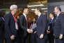 Richard Liu, le patron de JD.com et le président Emmanuel Macron (au centre), à Pékin, le 9 janvier. Le PDG s'était alors engagé à vendre sur son site l'équivalent de 2milliards d'euros de produits français au cours des deux prochaines années.