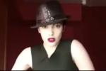 Maedeh Hojabri a été arrêtée puis libérée après avoir publié des vidéos d'elle dansant sur de la musique pop, dans sa chambre et sans foulard.