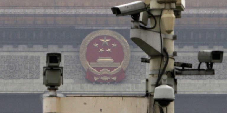 En Chine, près d'un demi-milliard de caméras de surveillance quadrillent chaque recoin du pays.