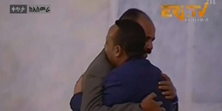 Le présidentérythréen Isaias Afwerki etle premier ministre éthiopien Abiy Ahmed, le 8 juillet à Asmara en Erythrée.