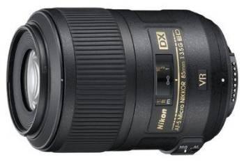 Pour les gros plans très rapprochés Nikon AF-S DX Micro Nikkor 85mm f/3.5G ED VR